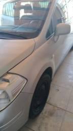 Nissan Tiida sedan completo - 2012