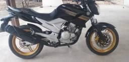 Vendo ou troco em moto do meu interesso - 2011