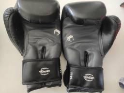 Luvas para boxe e Muay Thai