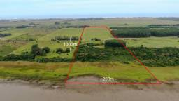 Área de 20 hectares na beira da Lagoa Arroio do Sal