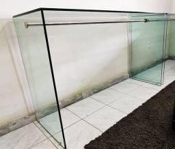 Bancada de vidro c/ expositor inox