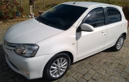 Etios Hatch XLS 2014