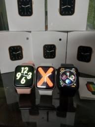 Smartwatch w26 top disponível nas cores preto e branco