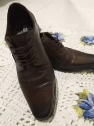 Sapato Marrom Pegada 43 único uso 30% off