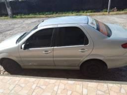 Vendo um carro Siena