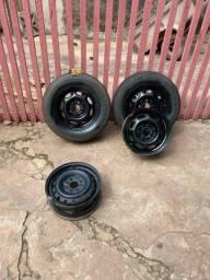 Vendo jogo de rodas 13 e 2 pneus