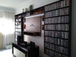 1 Estante de Madeira p Livros, DVD´s e Objetos de Decoração em geral