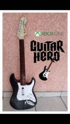 Guitarra de XBox zerada.