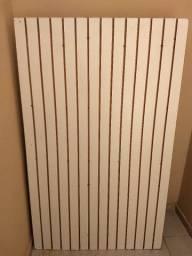 Painel Canaletado branco em MDF+ ganchos (Aceita cartão)