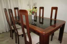 Título do anúncio: Mesa mogno 8 lugares com cadeiras