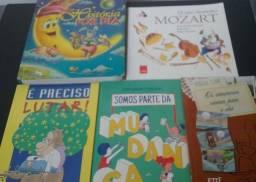 Livros infantis usados.