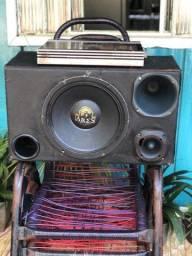 Caixa de som TRIO com Potência 1600w