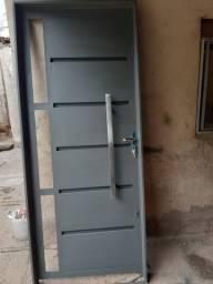 Portas de ferro sob encomendas