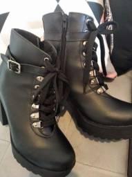 Vendo bota estilo coturno