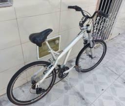 Vendo bicicleta de alumínio aro 26