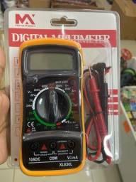 Multimetro digital e capacímetro