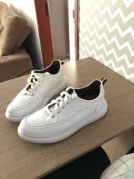 Título do anúncio: Tênis Sneaker branco em couro. Estilo Mcqueen