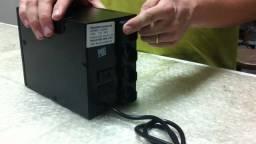 Fonte estabilizadora carregador de baterias carro / moto 12v - 220v