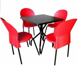 Lindo jogo de mesa com 4 cadeiras perfeito para buffets, restaurantes, bares e refeitórios