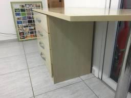 Armário/Porta objetos + prateleiras