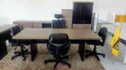 Mesa reunião e armários Loja Ipase
