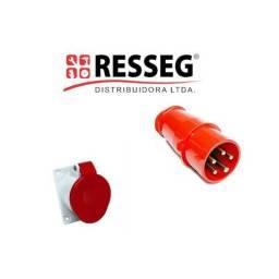 Plugs e Tomadas 2P+T 220/240V e 380/440V