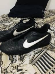 Chuteira campo Nike Tiempo N40
