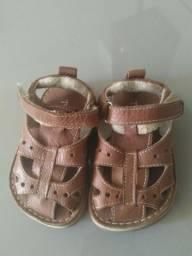 Sandália em couro infantil