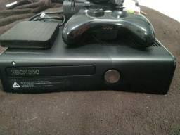 Xbox 360 Slim (JTAG) + HD 1TB + 300 Jogos (Completo)