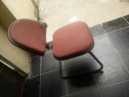 Vendo cadeira por $30 reais