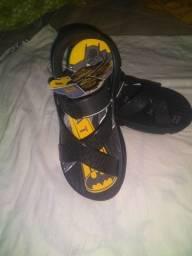 Uma sandália masculina Nova