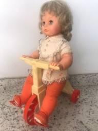 Boneca Tippy antiga com roupa e acessórios originais