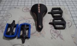 Selim (banco) GTS exotic mais dois pedal de abs plastico.( só 79,00)