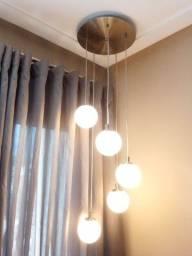Luminária pêndulo de bolas