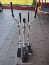 Elíptico + Cadeira e Roda de exercícios