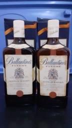Whisky Ballantines e Chivas Regal