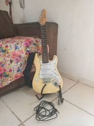 Guitarra semi-nova