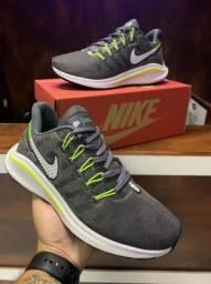 Tênis Nike Zoom Vomero - 160,00