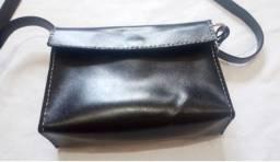 Bolsa feminina couro legitimo feita a mão. 60 reais