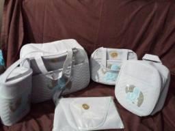 Título do anúncio: Vendo jogo de bolsa e uma saida de maternidade