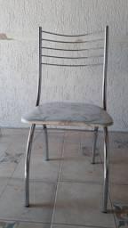 3 Cadeiras - $ 20 cada