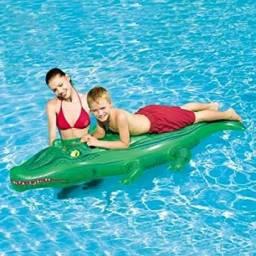Limpeza de piscina e tratamento