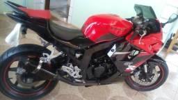 Vendo urgente uma moto kasinsk comet ,250 cilindrada gtr quero 7,000 - 2010
