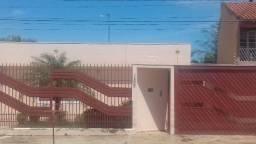 Casa Próximo Colégio Militar com Edicula 420m2 - Reformada