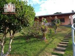 Ótima chácara com escritura, 600m², 02 dormitórios, pomar, próxima da cidade- oportunidade