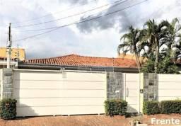 Casa com 4 Quartos/suíte master,4 vagas de garagem.