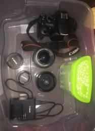 Vendo Canon T5 + lente 18-55mm e uma lente 50mm 1.8 Yongnuo + um rebatedor de 110cm 5x1