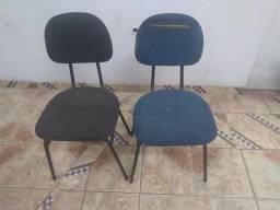 Cadeiras almofadada