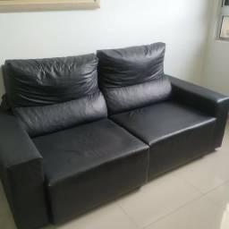 Sofá 2 lugares assento retrátil em corino preto