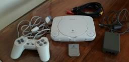 PlayStation 1 com 4 Jogos Originais